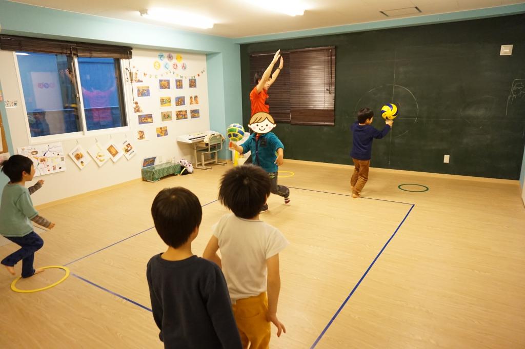 小学生 vs 幼稚園児(障害物レース)