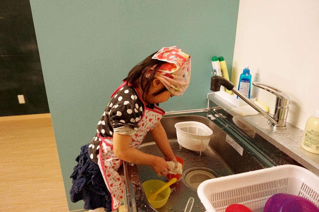 それぞれ使った食器も自分で洗うようお願いしています。